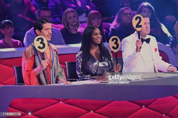 March 2019, North Rhine-Westphalia, Köln: The jurors Jorge González, Motsi Mabuse and Joachim Llambi will give their scores on the RTL Getting to...