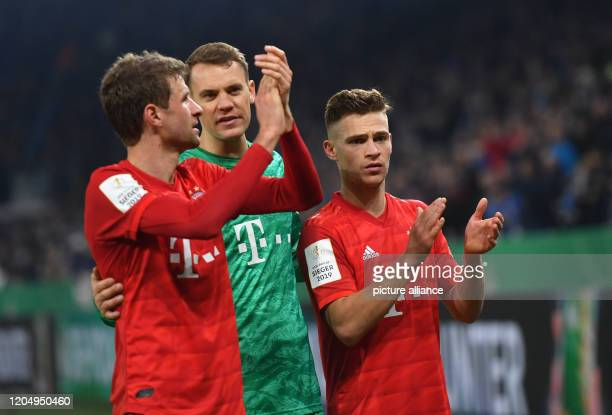 March 2020, North Rhine-Westphalia, Gelsenkirchen: Football: DFB-Pokal, FC Schalke 04 - Bayern Munich, quarter-finals in the Veltins Arena: Thomas...