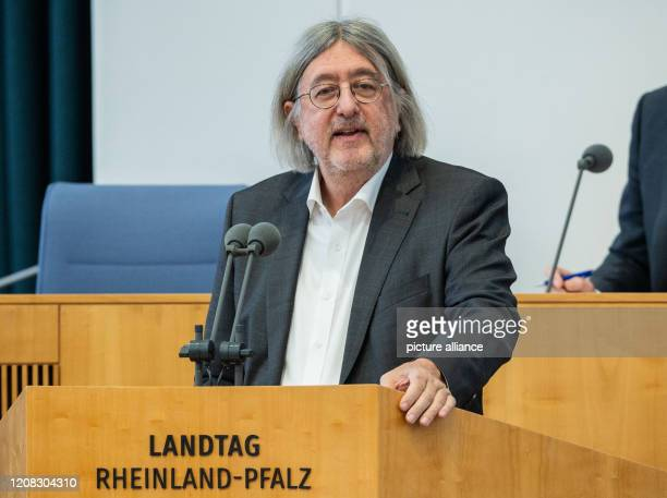 27 March 2020 RhinelandPalatinate Mainz Bernhard Braun leader of his party's parliamentary group speaks in the Landtag Despite the corona crisis a...