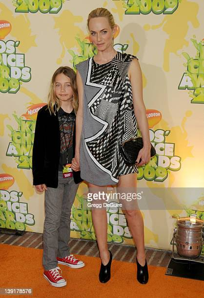 March 28 2009 Westwood Ca Amber Valletta and son Auden McCaw Nickelodeon's 22nd Annual Kid's Choice Awards Held at UCLA's Pauley Pavilion