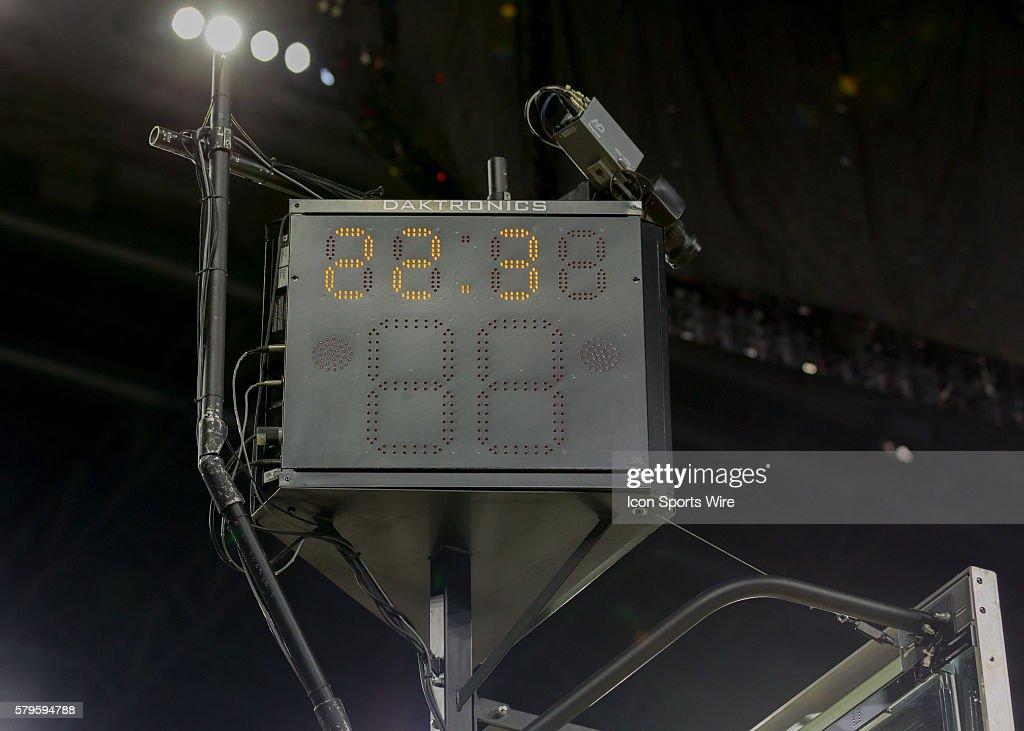NCAA BASKETBALL: MAR 29 Div I Men's Championship - Elite Eight - Duke v Gonzaga : News Photo