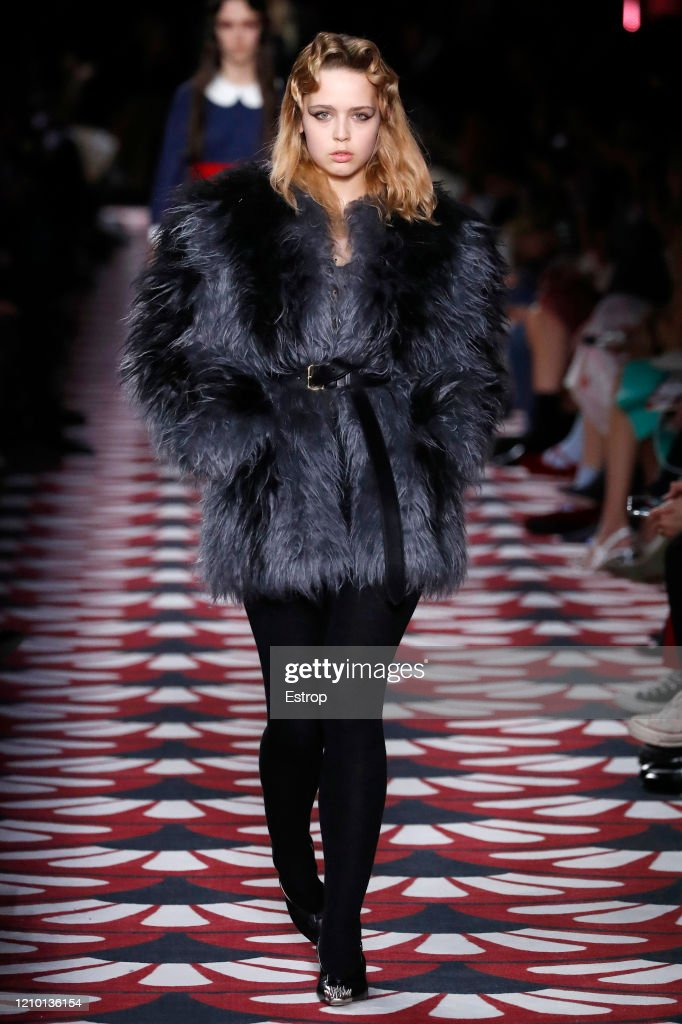 Miu Miu : Runway - Paris Fashion Week Womenswear Fall/Winter 2020/2021 : News Photo