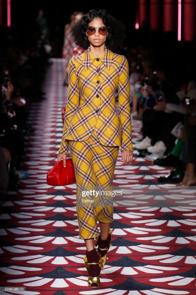 Miu Miu : Runway - Paris Fashion Week Womenswear Fall/Winter 2020/2021 : News Photo
