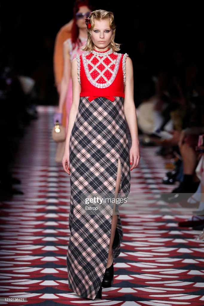 Miu Miu : Runway - Paris Fashion Week Womenswear Fall/Winter 2020/2021 : ニュース写真