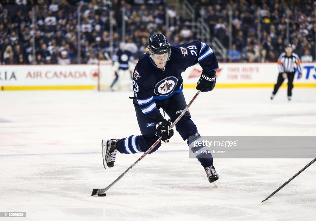 NHL: MAR 04 Avalanche at Jets : News Photo