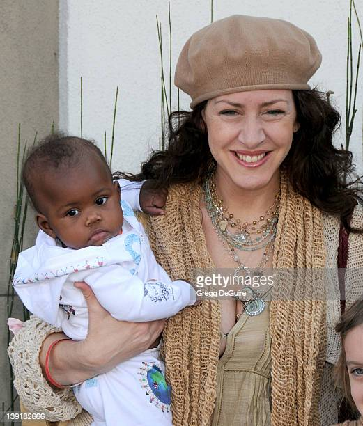 March 8 2009 West Hollywood Ca Joely Fisher and daughter Olivia Luna FisherDuddy John Varvatos 7th Annual Stuart House Benefit Held at the John...