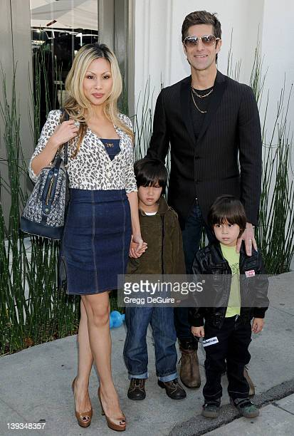 March 8 2009 West Hollywood Ca Perry Farrell wife Etty Farrell and children John Varvatos 7th Annual Stuart House Benefit Held at the John Varvatos...