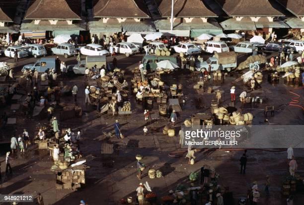 Marché sur une place à Antananarivo en septembre 1972 Madagascar