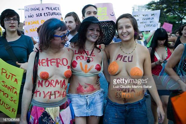 CONTENT] Marcha das Vadias reuniu mulheres no Rio contra a violência sexual Ação foi contra a ideia de culpar as mulheres pela agressão que sofrem