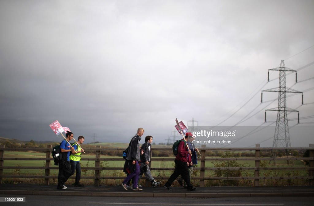 The Jarrow March Continues On Route To London To Highlight The Issue Of Youth Unemployment : News Photo
