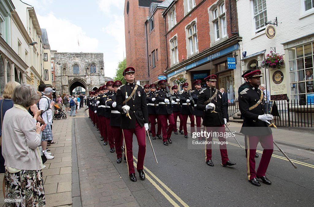 Marching officers and men Kings Royal Hussars during the Freedom of Entry parade in Winchester : News Photo