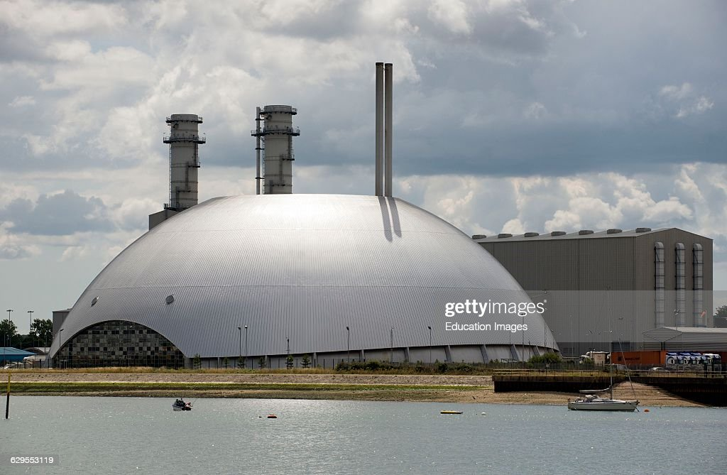 Marchwood Power Station and Energy Recovery Facility on Southampton Water UK : News Photo