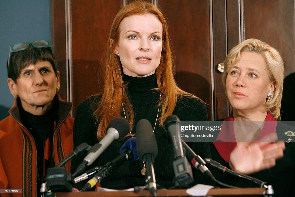 Marcia Cross (C), actress from ABC's 'Desperate Housewives,' addresses a news conference to raise awareness of the Breast Cancer Patient Protection Act with Rep.l Rosa DeLauro (D-CT) (L) and Sen. Mary Landrieu (D-LA) (R) on Capitol Hill January 23, 2008 in Washington, DC. Representing the Lifetime television network, Cross delivered 20 million signatures collected online that urge Congress to pass legislation to stop 'drive-through' mastectomies. Cross and other celebrities have joined Lifetime's 'Every Woman Counts' initiative to encourage women to vote, run for office and raise awarness of breast cancer.
