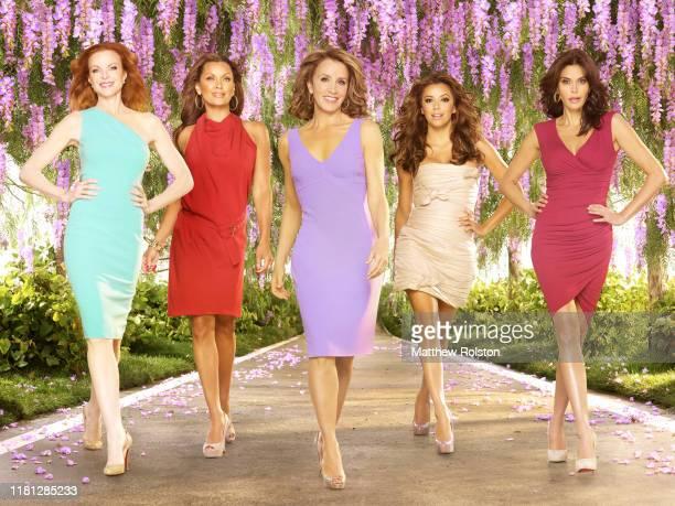 Marcia Cross, Vanessa Williams, Felicity Huffman, Eva Longoria Parker, Teri Hatcher promotional photo for the ABC tv series 'Desperate Housewives'.