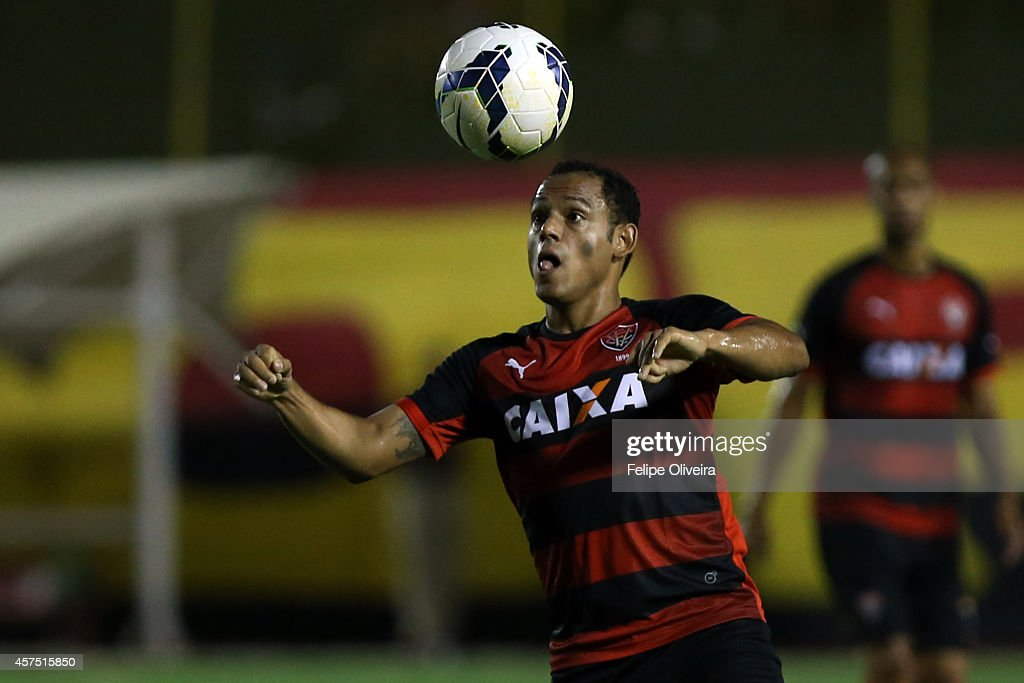 Marcinho of Vitoria heads the ball clear during the match between Vitoria and Cruzeiro as part of Brasileirao Series A 2014 at Estadio Manoel Barradas on October 19, 2014 in Salvador, Bahia, Brazil.