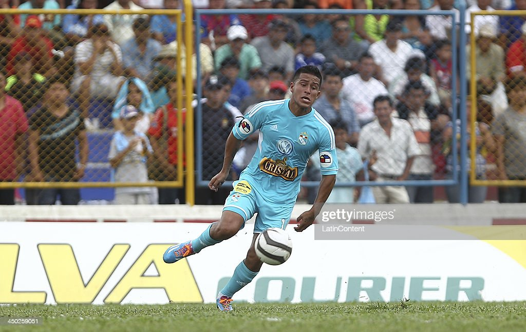 Marcio Valverde of Sporting Cristal in action during a match between Union Comercio and Sporting Cristal as part of the Torneo Descentralizado at IDP of Moyabamba stadium on November 16, 2013 in Moyabamba, Peru.