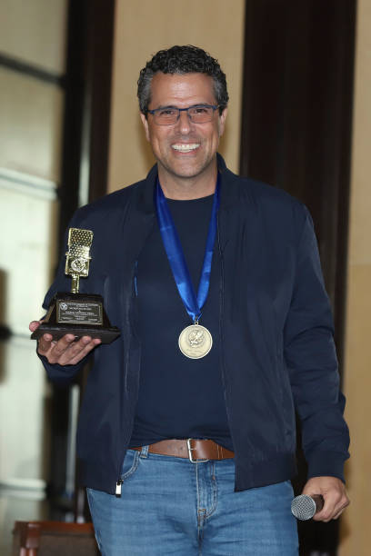 MEX: Marco Antonio Regil Press Conference