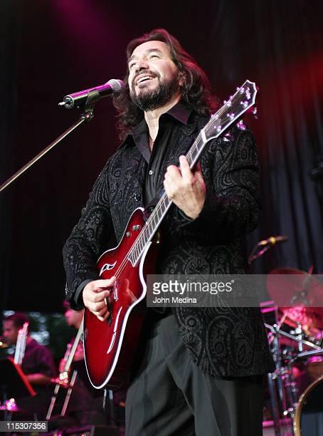 Marco Antonio Solis during Marco Antonio Solis Performs at the 2006 Juntos en Concierto - July 14, 2006 at Shoreline Amphitheater in Mountainview,...