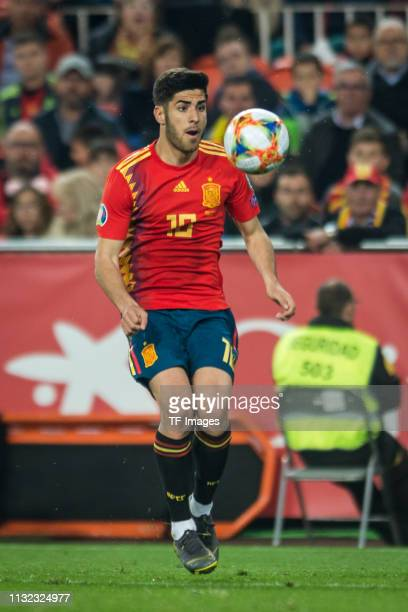 Marco Asensio of Spain controls the ball during the 2020 UEFA European Championships group F qualifying match between Spain and Norway at Estadi de...