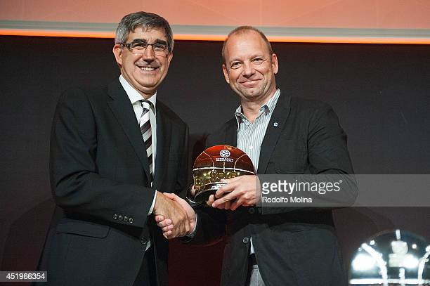 Marco Baldi CEO Alba Berlin receives Gold Devotion Award from Jordi Bertomeu President and CEO Euroleague Basketball before the 201415 Turkish...