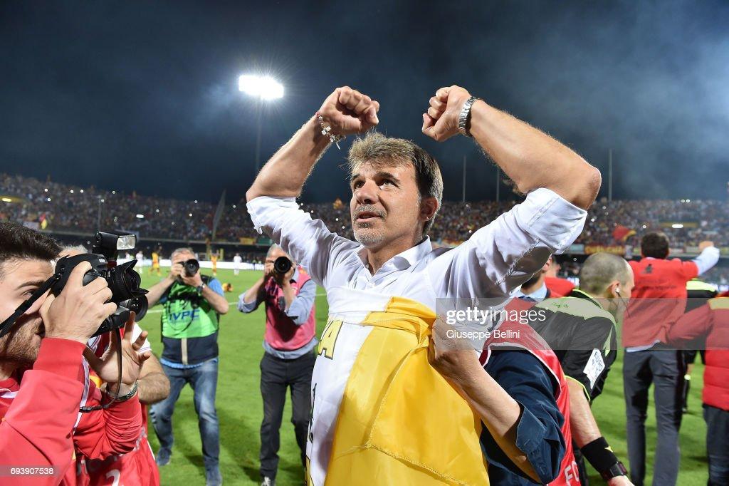 Marco Baroni head coach of Benevento Calcio celebrates the victory after the Serie B Play off Final match between Benevento Calcio and Carpi FC at Stadio Ciro Vigorito on June 8, 2017 in Benevento, Italy.
