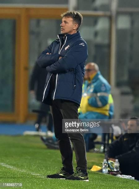 Marco Baroni head coach of US Cremonese during Serie B match between Pescara Calcio and US Cremonese at Adriatico StadiumGiovanni Cornacchia on...