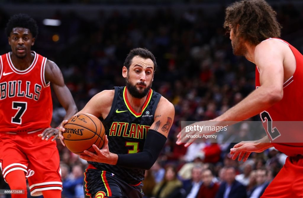 Marco Belinelli (3) of Atlanta Hawks in action during the NBA game between Chicago Bulls and Atlanta Hawks at the United Center on October 26, 2017 in Chicago, United States.