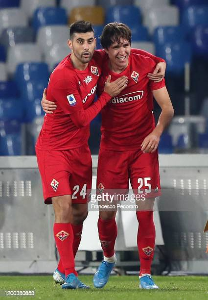 Marco Benassi and Federico Chiesa of ACF Fiorentina celebrate the 01 goal scored by Federico Chiesa during the Serie A match between SSC Napoli and...