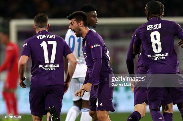 Marco Benassi of ACF Fiorentina celebrates after scoring the equalizer during the Coppa Italia match between ACF Fiorentina and Atalanta BC on...