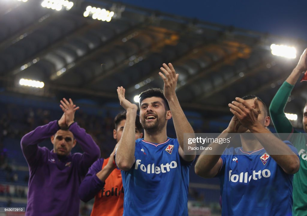 Marco Benassi of ACF Fiorentina celebrates the victory after the serie A match between AS Roma and ACF Fiorentina at Stadio Olimpico on April 7, 2018 in Rome, Italy.