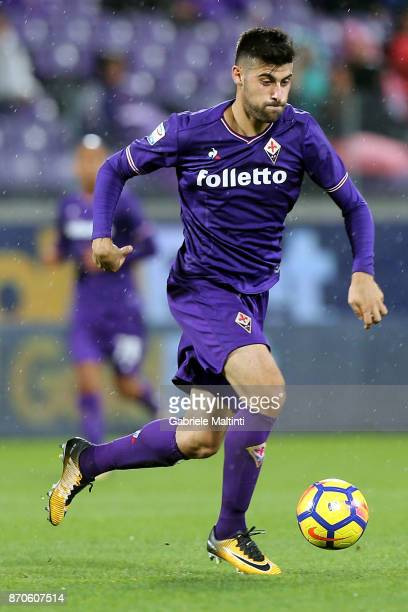 Marco Benassi of ACF Fiorentina in action during the Serie A match between ACF Fiorentina and AS Roma at Stadio Artemio Franchi on November 5 2017 in...