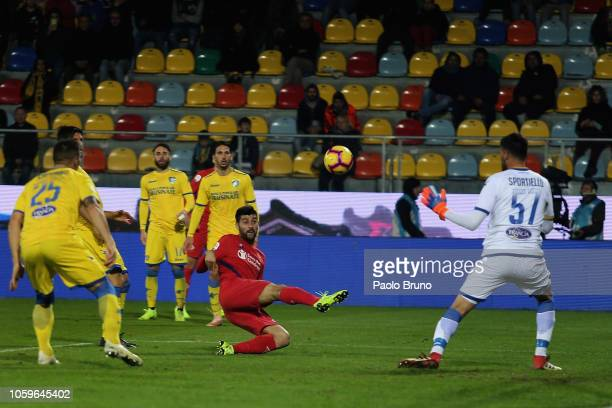 Marco Benassi of ACF Fiorentina scores the opening goal during the Serie A match between Frosinone Calcio and ACF Fiorentina at Stadio Benito Stirpe...