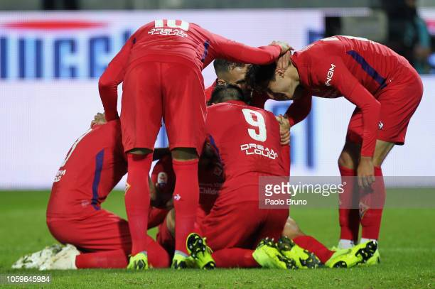 Marco Benassi with his teammates of ACF Fiorentina celebrates after scoring the opening goal during the Serie A match between Frosinone Calcio and...