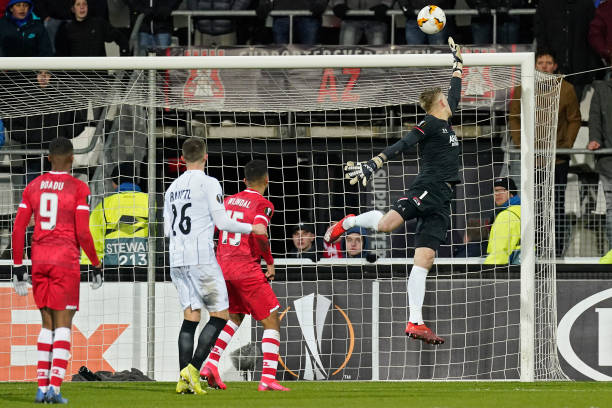 LIGUE EUROPA 2018  - 2019 -2020 - Page 16 Marco-bizot-of-az-alkmaar-during-the-uefa-europa-league-match-between-picture-id1202112726?k=6&m=1202112726&s=612x612&w=0&h=BXnvY4nbQiMFZFTHThbLicfubfv6ZM2B_2cRsf8cg54=