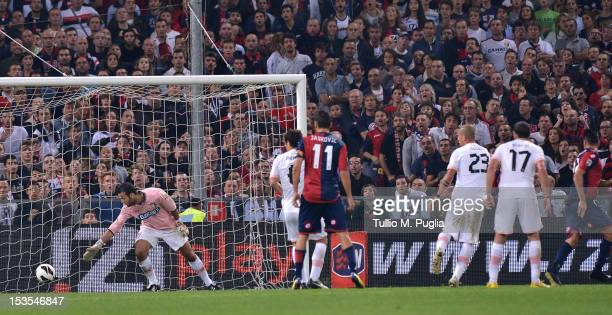 Marco Borriello of Genoa scores the equalizing goal during the Serie A match between Genoa CFC and US Citta di Palermo at Stadio Luigi Ferraris on...