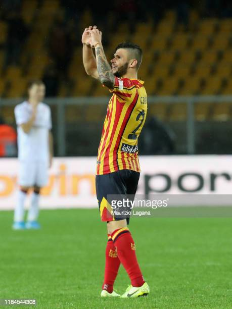 Marco Calderoni of Lecce celebrates after scoring his team's equalizing goal during the Serie A match between US Lecce and Cagliari Calcio at Stadio...