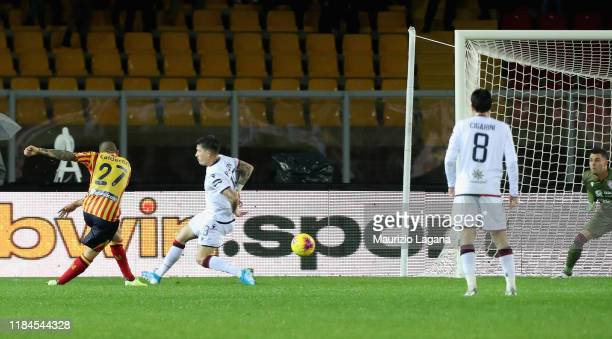 Marco Calderoni of Lecce scores his team's equalizing goal during the Serie A match between US Lecce and Cagliari Calcio at Stadio Via del Mare on...