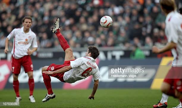 Marco Caligiuri of Mainz does an overhead kick during the Bundesliga match between Borussia M'gladbach and FSV Mainz 05 at Borussia Park Stadium on...