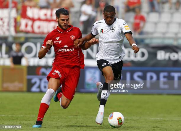 Marco Carraro of AC Perugia and Delano Burgzorg of AS Spezia battle for the ball during the Serie B match between AS Spezia and AC Perugia at Stadio...