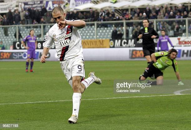 Marco Di Vaio of Bologna FC celebrates after scoring the 20 goal during the Serie A match between Fiorentina and Bologna at Stadio Artemio Franchi on...