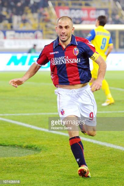 Marco Di Vaio of Bologna FC celebrates scoring his team's second goal in injury time during the Serie A match between Bologna FC and AC Chievo Verona...