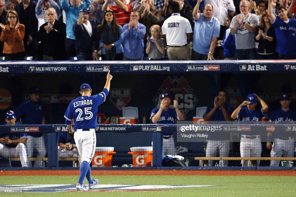 League Championship - Kansas City Royals v Toronto Blue Jays - Game Five : News Photo