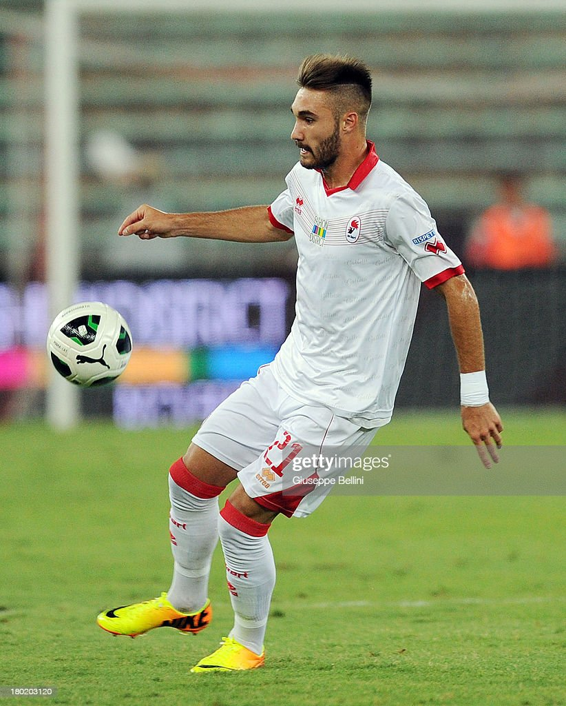 Marco Ezio Fossati of Bari in action during the Serie B match between AS Bari and Brescia Calcio at Stadio San Nicola on August 31, 2013 in Bari, Italy.