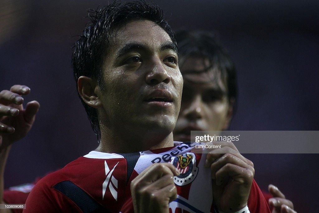 Chivas v Estudiantes - Mexican Apertura 2010 : News Photo