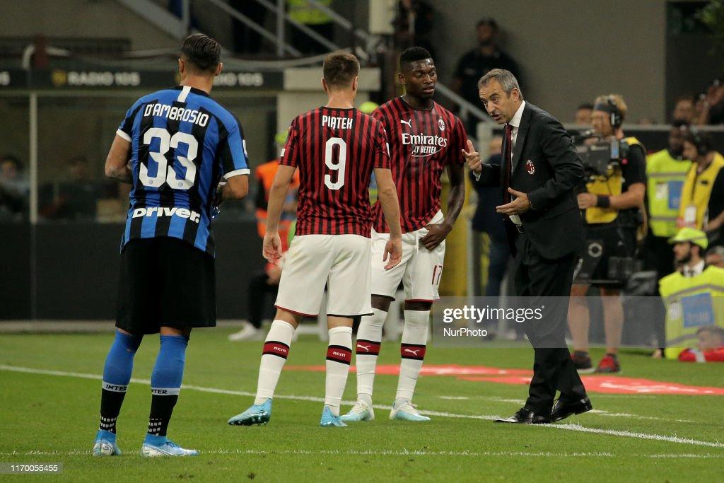 AC Milan v FC Internazionale - Serie A : Foto jornalística