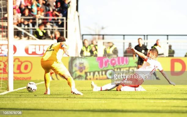 Marco Gruettner of Jahn Regensburg scores a goal during the Second Bundesliga match between SSV Jahn Regensburg and SV Darmstadt 98 at Continental...