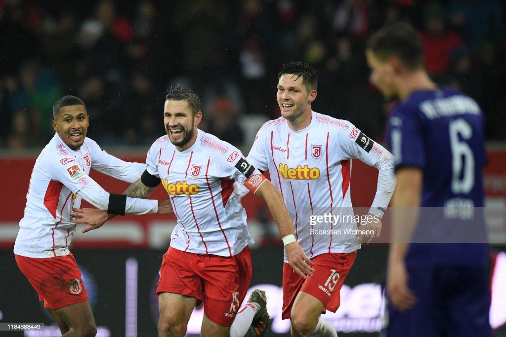 SSV Jahn Regensburg v VfL Osnabrück - Second Bundesliga : ニュース写真