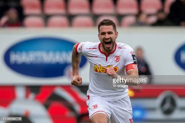 Marco Gruettner of SSV Jahn Regensburg celebrates during the Second Bundesliga match between 1. FC Heidenheim 1846 and SSV Jahn Regensburg at...