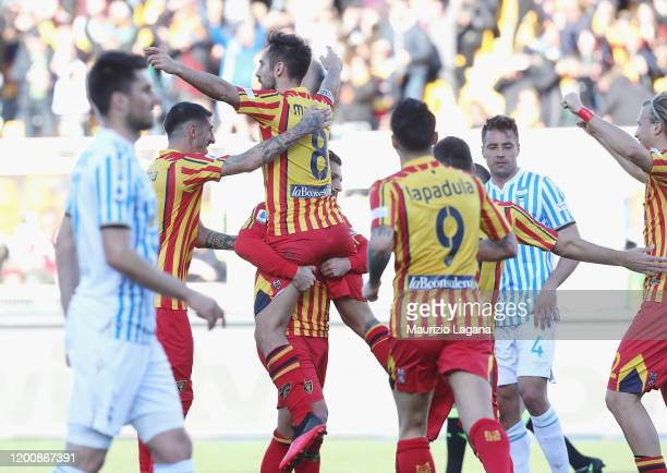 Marco Mancosu of Lecce celebrates after scoring his team's opening goal during the Serie A match between US Lecce and SPAL at Stadio Via del Mare on...
