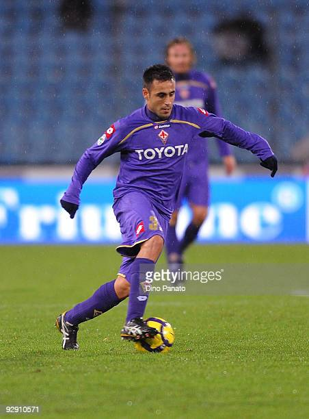 Marco Marchionni of ACF Fiorentina in action during the Serie A match between Udinese Calcio and ACF Fiorentina at Stadio Friuli on November 8, 2009...